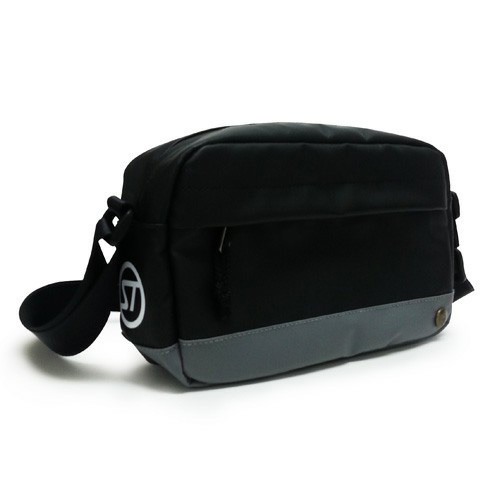 sd_shoulder_pouch_c02.jpg